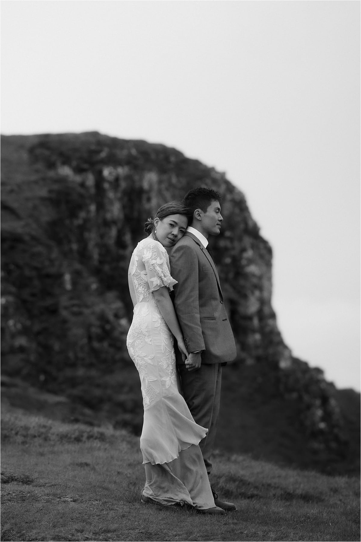 Isle of skye elopement couple at the quiraing