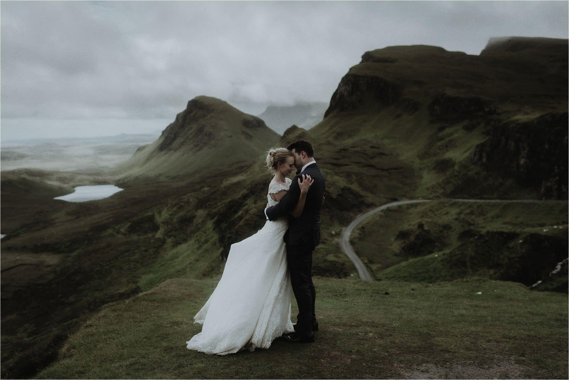 elope in Scotland couple married on the Isle of Skye