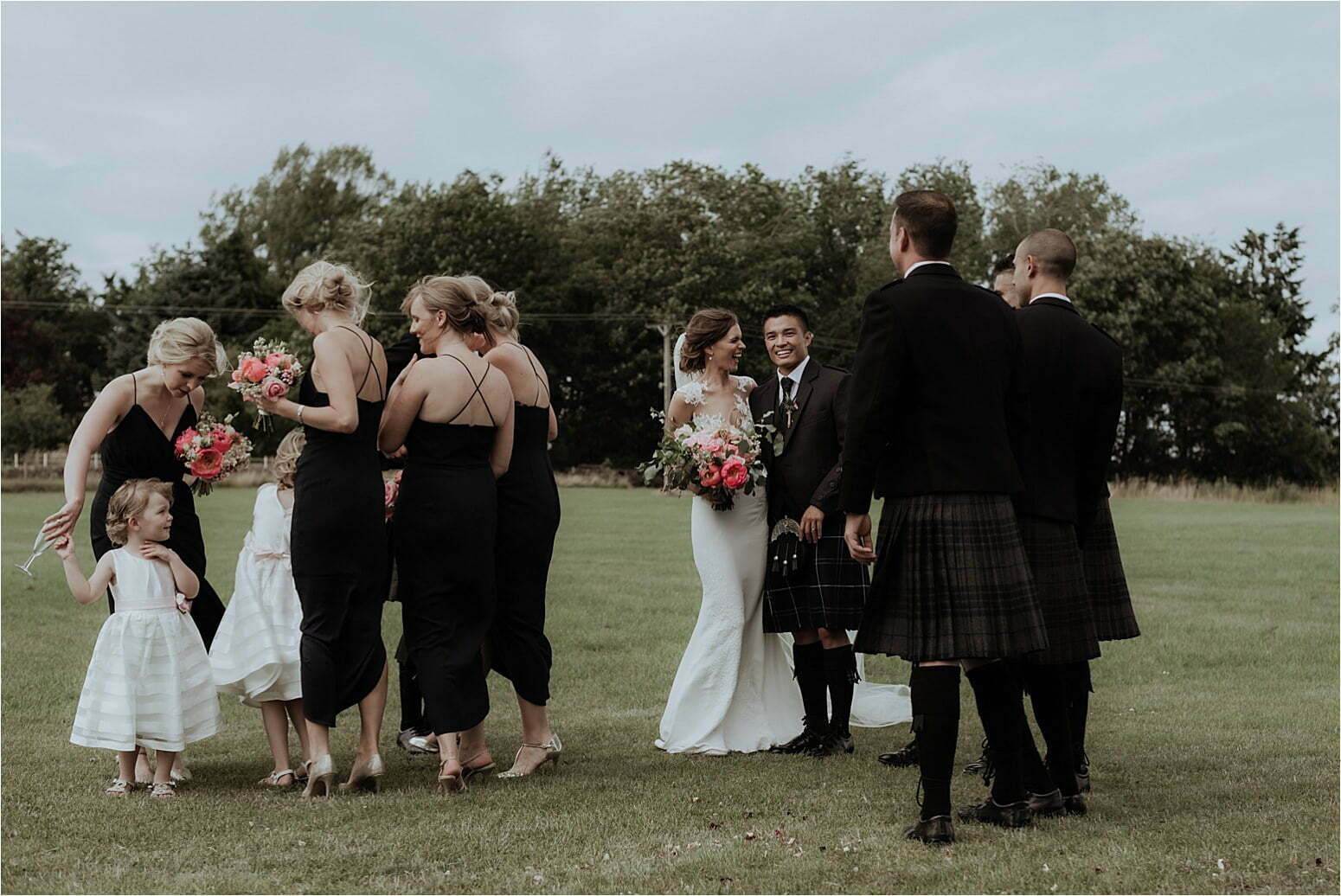bachilton barn wedding in scotland outdoors