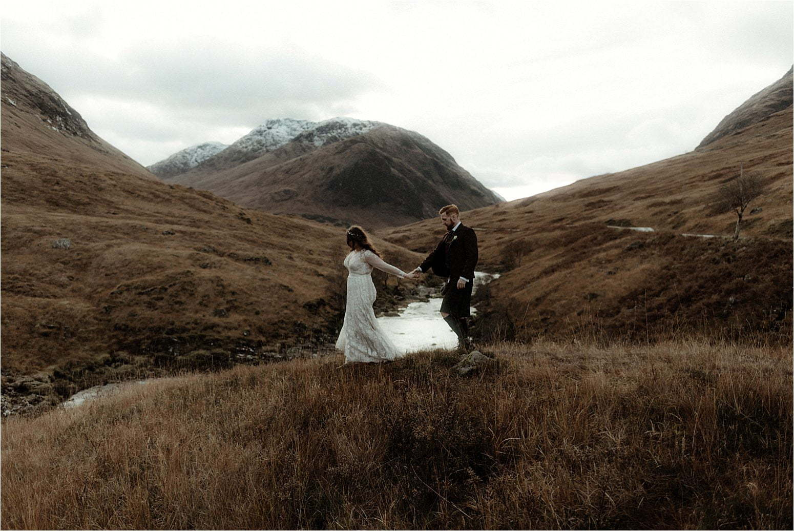 bride and groom eloping to glencoe