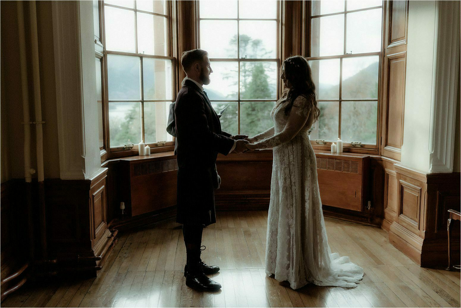 scottish elopement couple in glencoe house